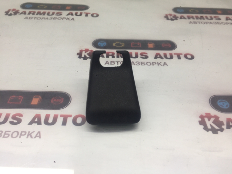 Крышка салазки сиденья Toyota Wish ANE10 1AZFE