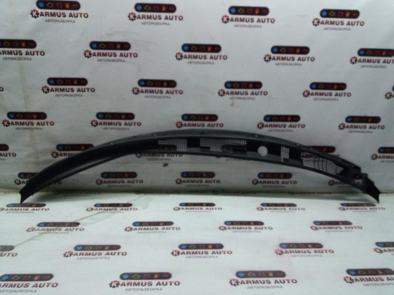 Решетка под дворники Mitsubishi Chariot Grandis N84W 4G63