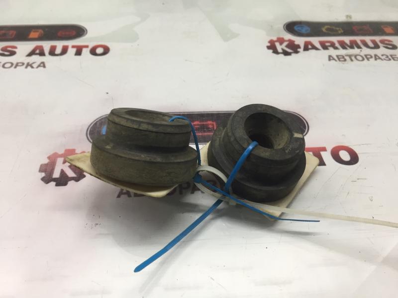 Крепление радиатора Toyota Allex ZZE123 1NZFE