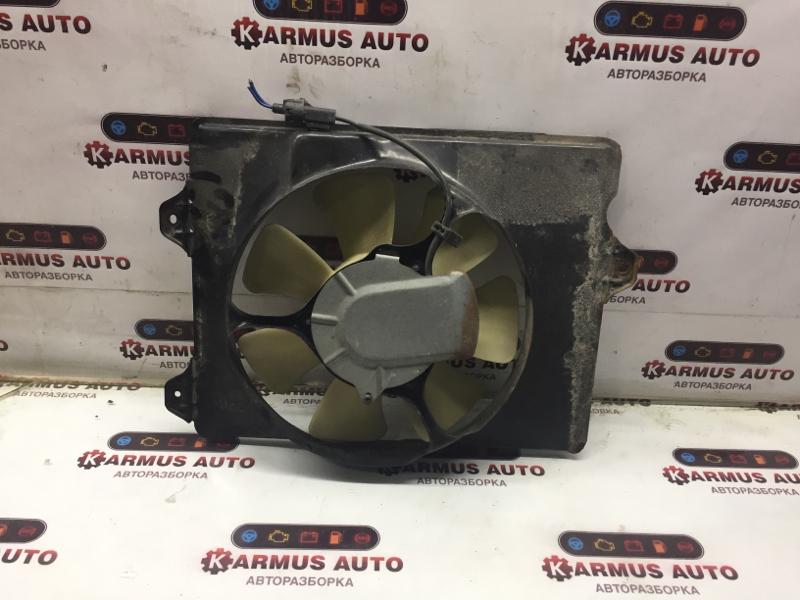 Диффузор радиатора Toyota Gaia SXM10 3SFE правый