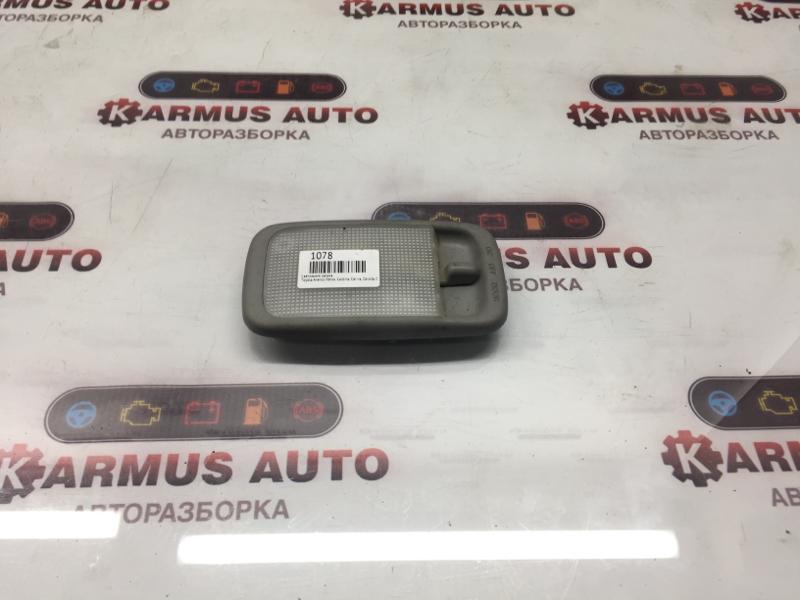 Светильник салона Toyota Avensis Verso CLM20 3CE