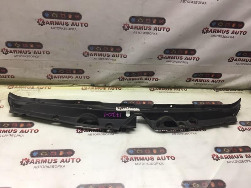 Накладка на рамку радиатора Toyota Wish ANE10 1AZFE