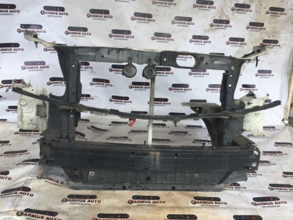 Рамка радиатора Toyota Alphard ANH10 2AZFE