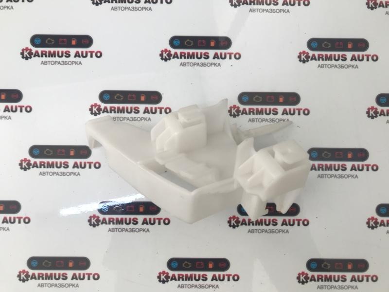 Крепление бампера Lexus Lx570 URJ201 заднее левое