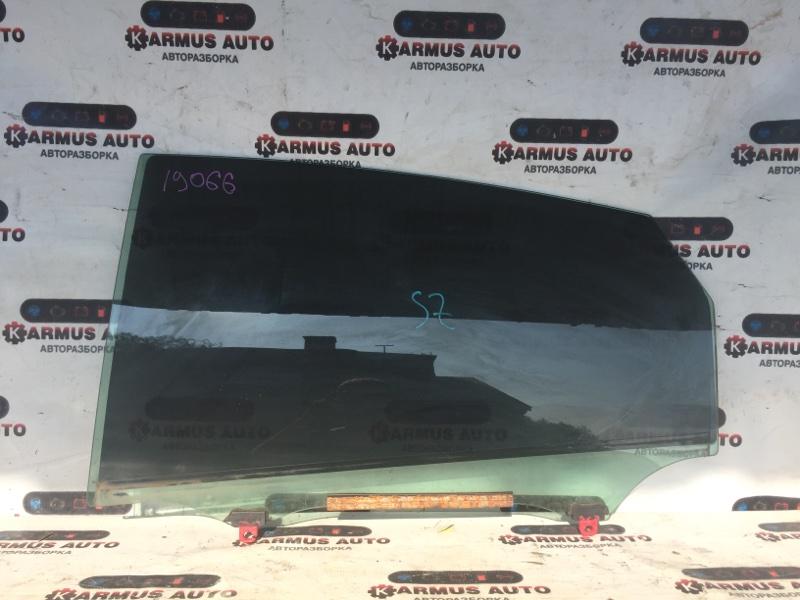 Стекло боковое Toyota Prius NHW20 заднее левое