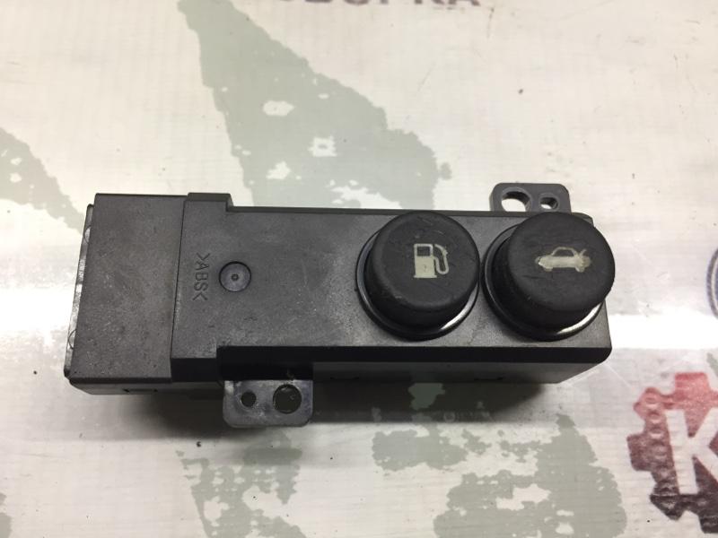 Кнопка открывания багажника Honda Legend KB1 передняя правая