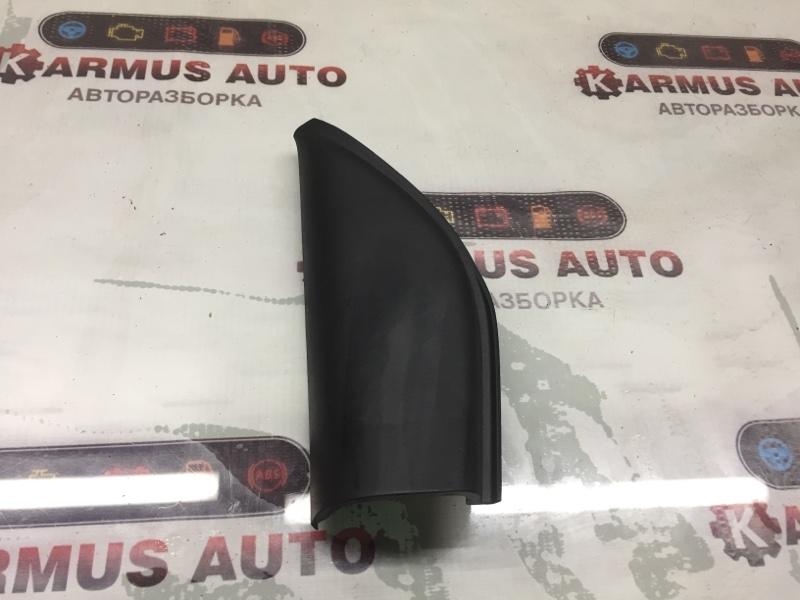 Уголок двери Toyota Passo KGC10 передний левый