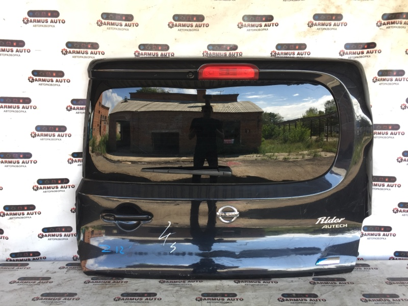 Дверь багажника Nissan Cube Z12