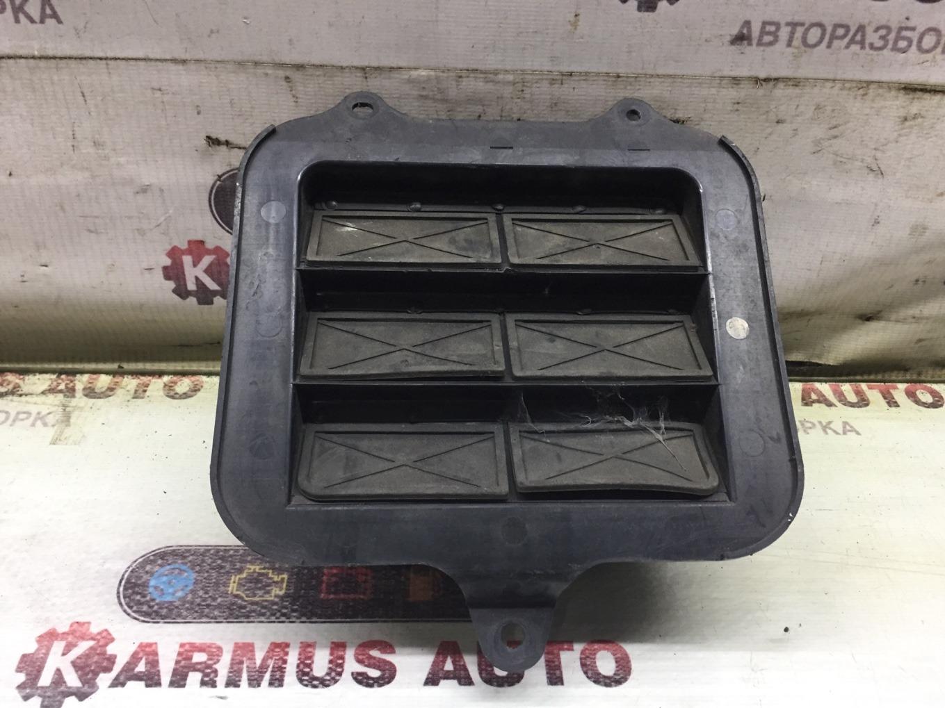 Решетка вентиляционная Toyota Rav4 SXA16
