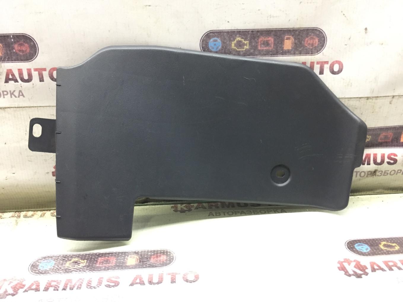 Пластик салона Toyota Rav4 SXA16 левый