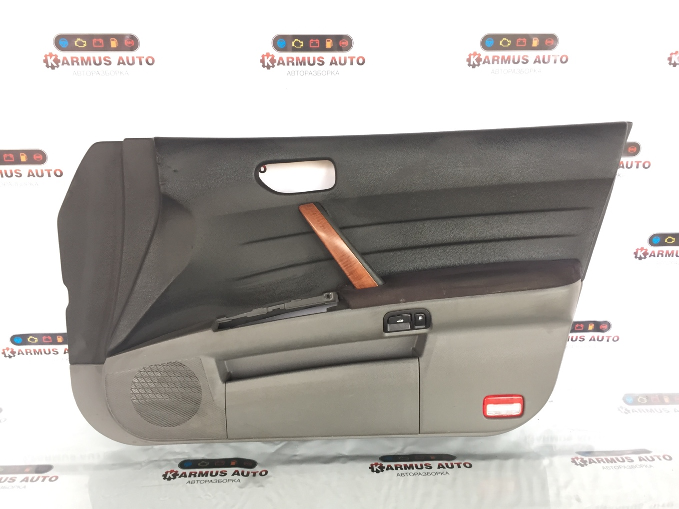 Обшивка двери Nissan Teana J31 передняя правая