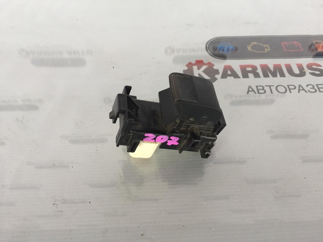 Кнопка стеклоподъемника Toyota Ractis NCP120 задняя