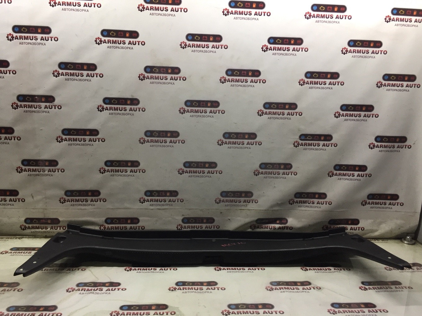 Панель замка багажника Toyota Windom MCV30