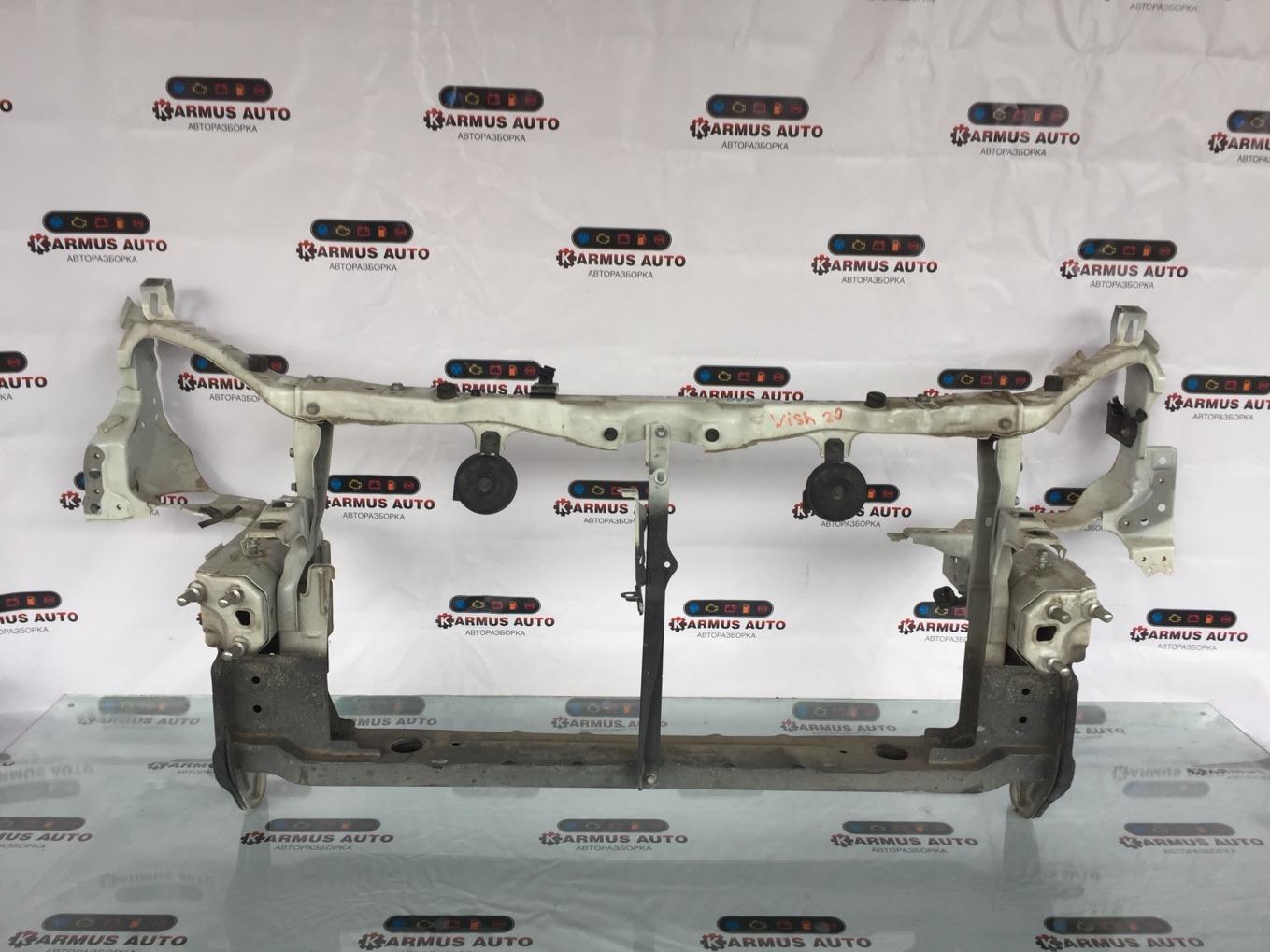 Рамка радиатора Toyota Wish ZGE20