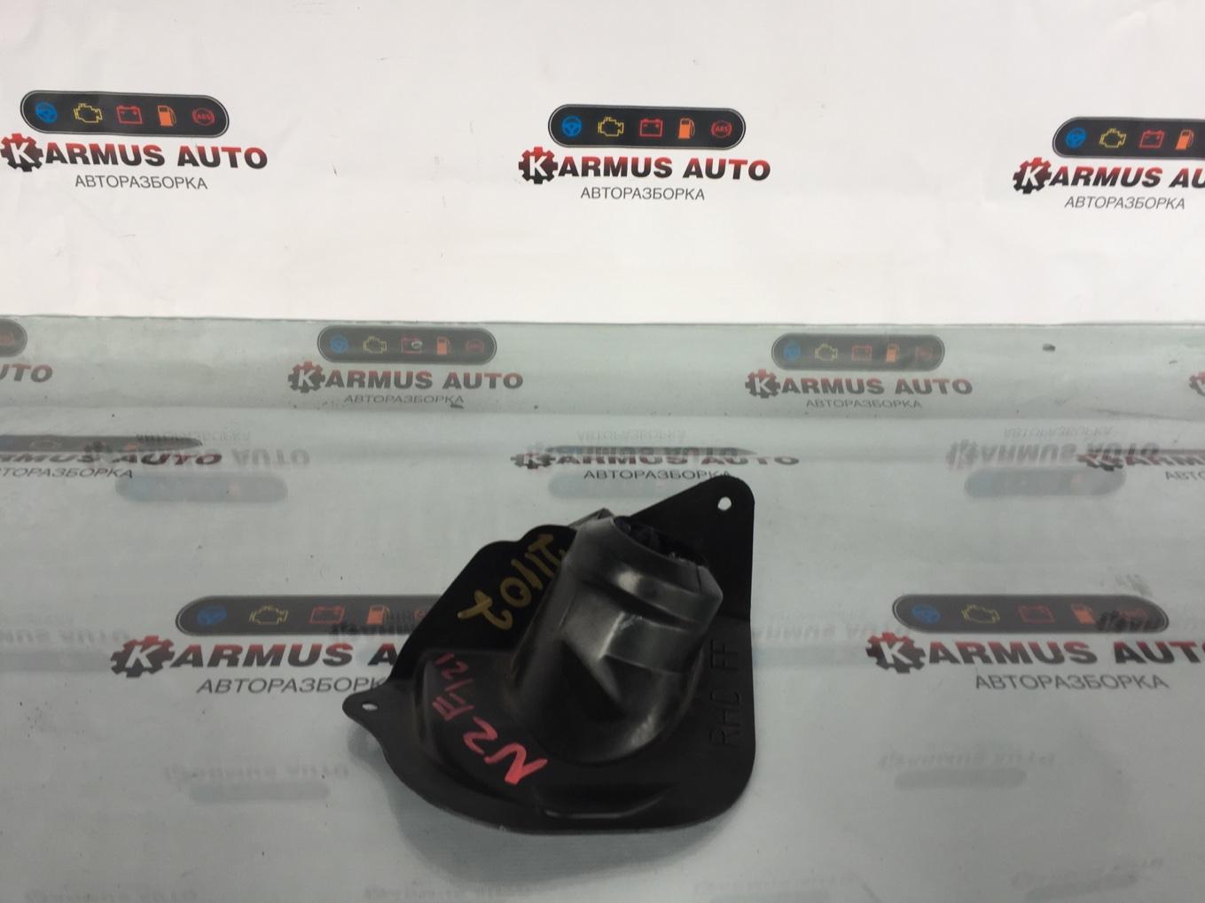 Пыльник рулевой колонки Toyota Corolla Fielder NZE121