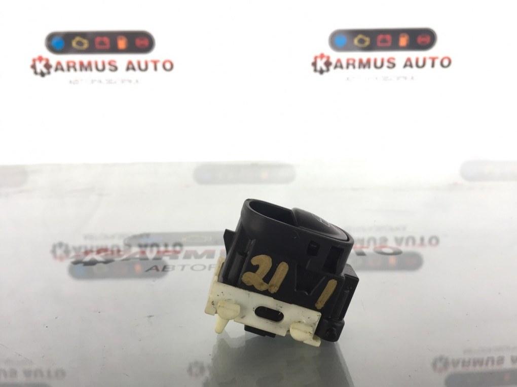 Блок управления стеклоподъемником Mercedes-Benz С200 W203 задний правый