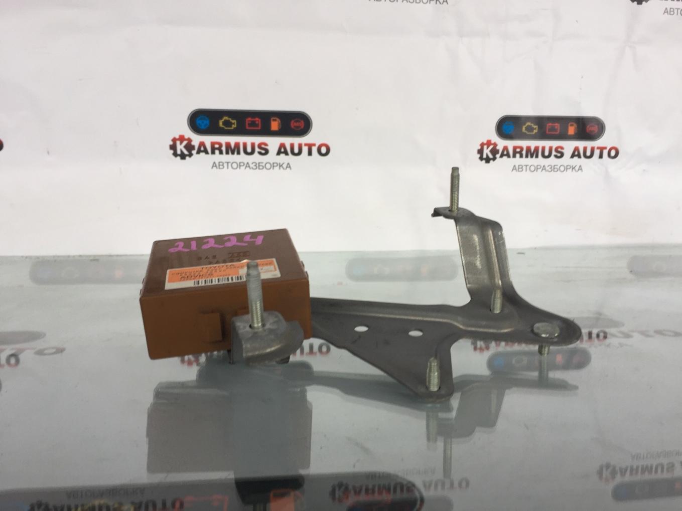 Блок управления стояночным тормозом Lexus Gs450H GWL10 2GRFXE 2012