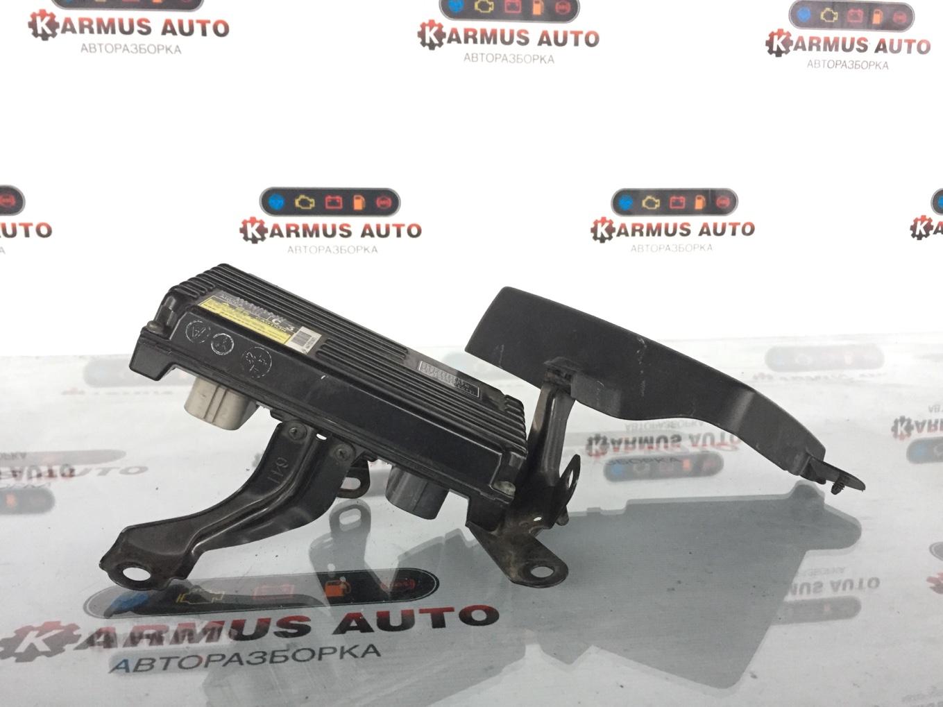 Блок abs Lexus Gs450H GWL10 2GRFXE 2012