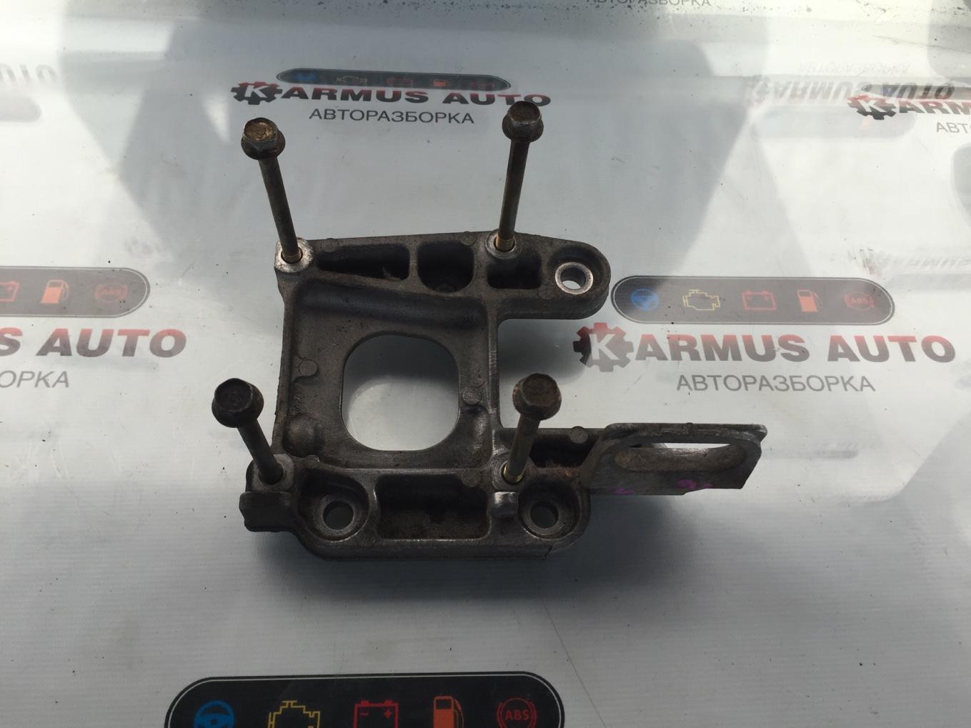 Крепление компрессора кондиционера Mazda Familia BJ5W ZL