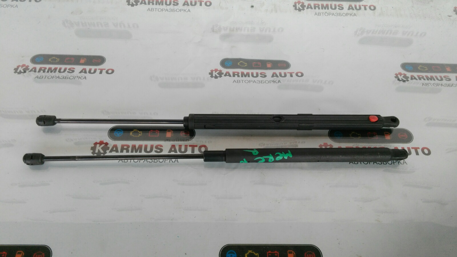Амортизатор капота Mercedes-Benz С200 W203