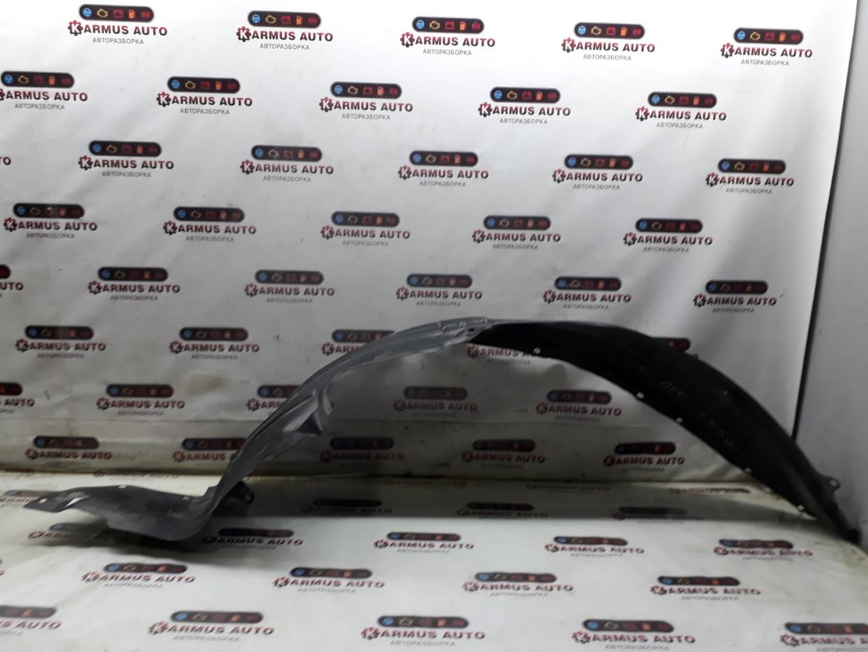 Подкрылок Mazda Mpv LW5W передний правый