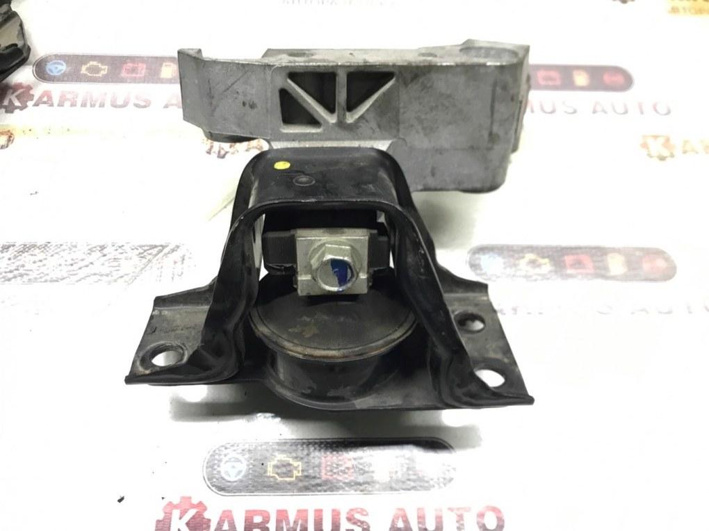 Подушка двигателя Nissan Note E11 HR15DE правая
