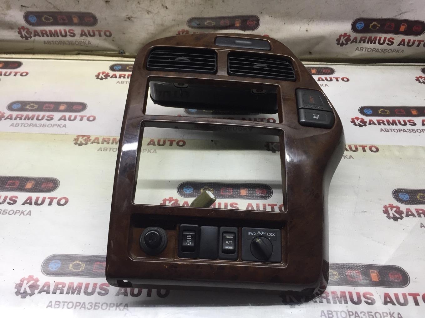 Рамка магнитофона Nissan Terrano JRR50 QD32TI