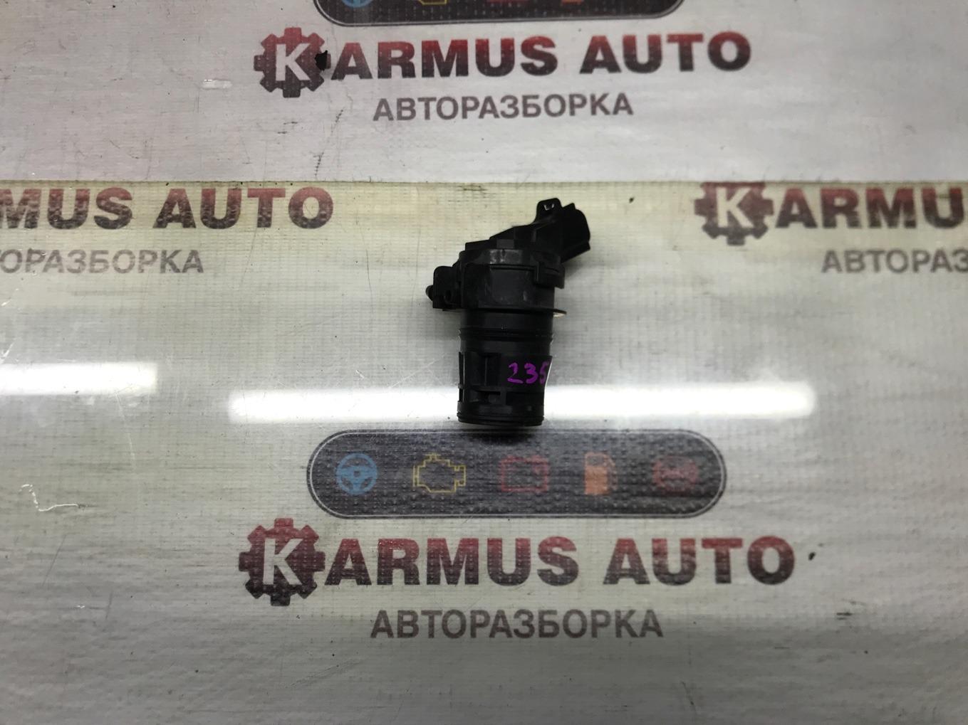 Мотор бачка омывателя Toyota Isis ANM10 1ZZFE