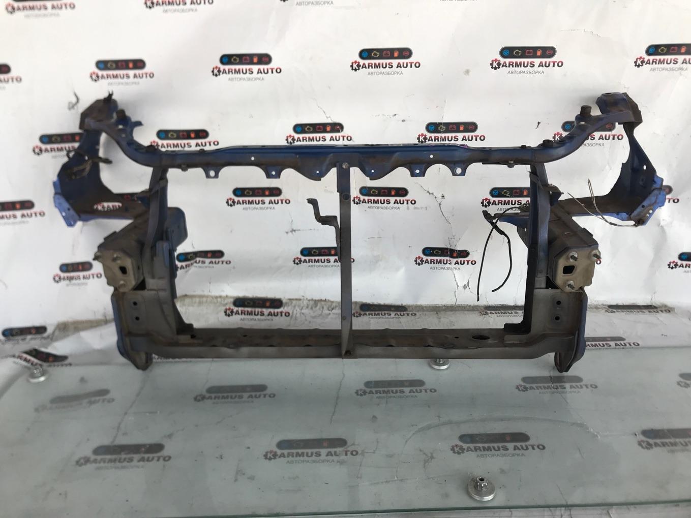 Рамка радиатора Toyota Wish ZNE10 1ZZFE