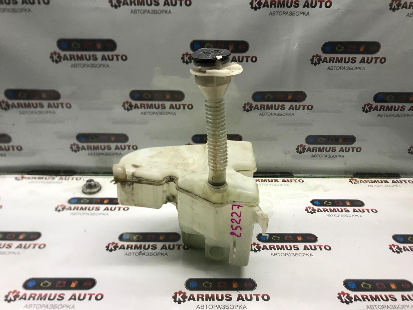 Бачок стеклоомывателя Toyota Mark X GRX120 3GRFSE