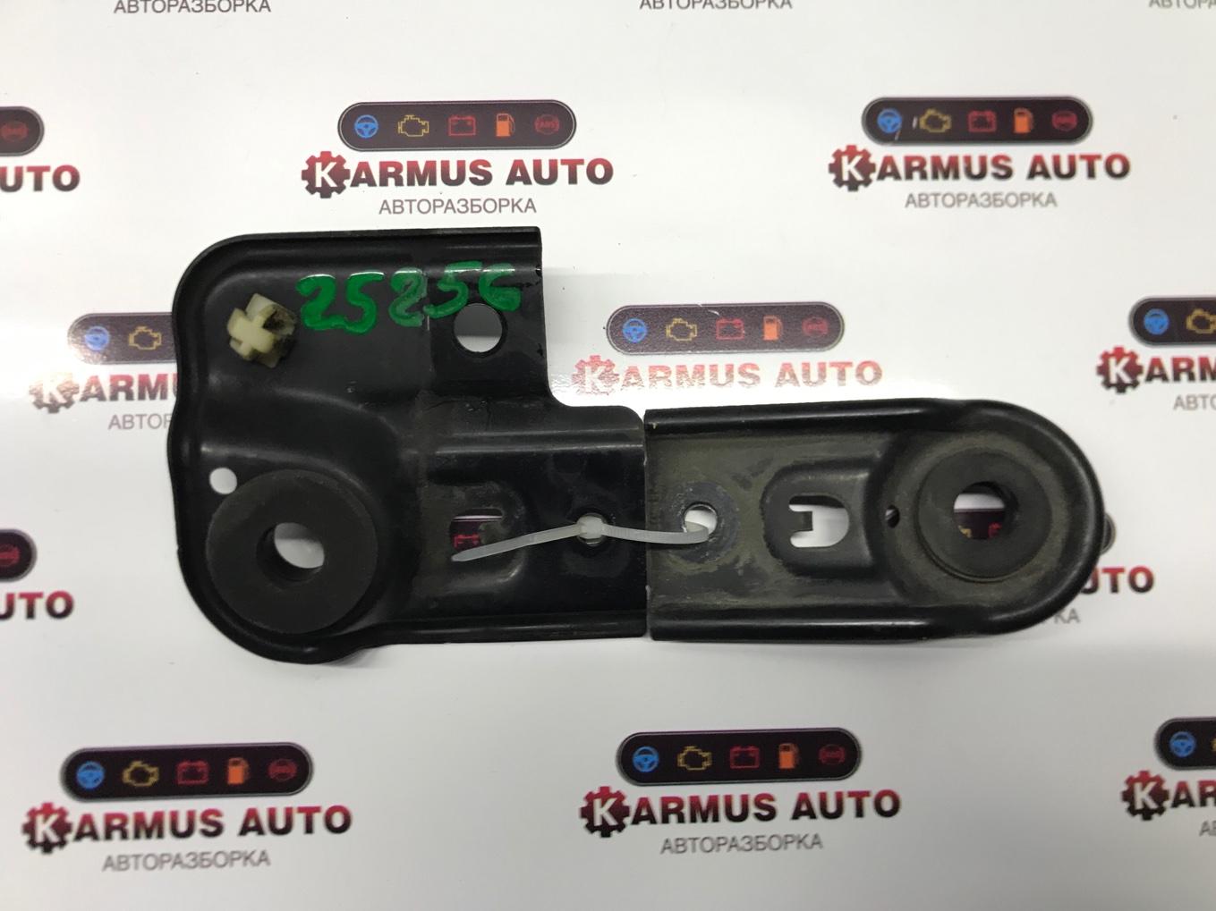 Крепление радиатора Honda Odyssey RB3 K24A