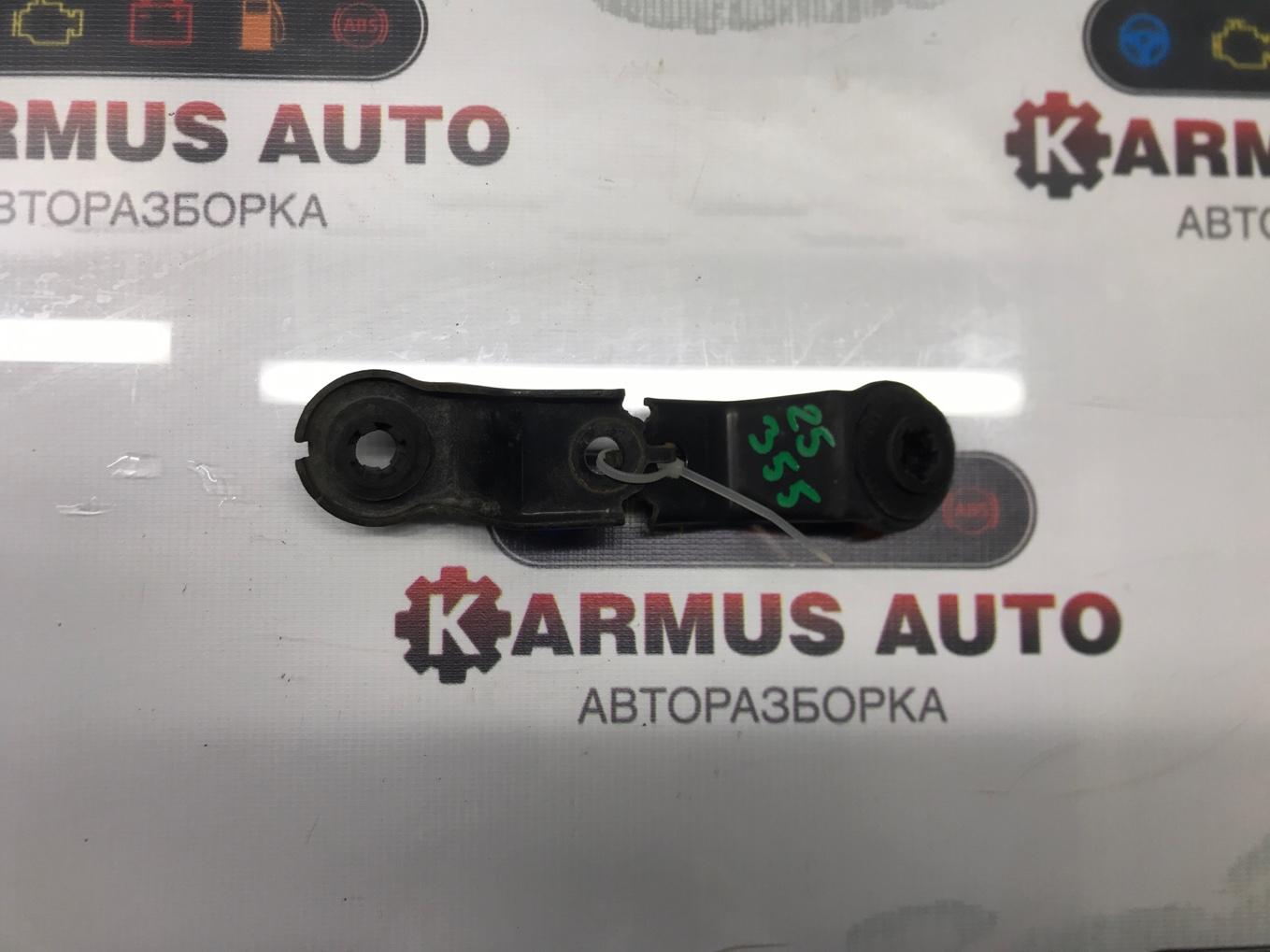 Крепление радиатора Toyota Avensis AZT250 2AZFSE