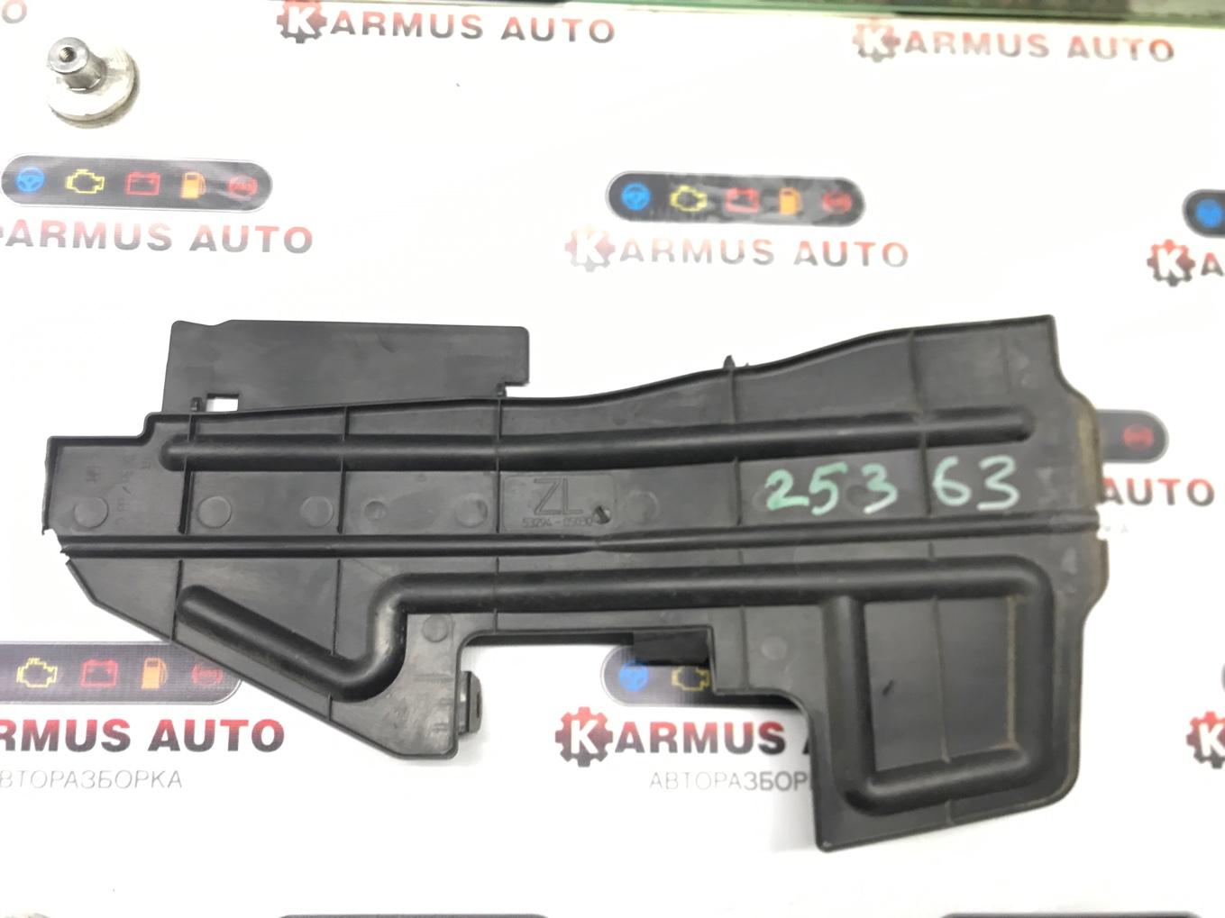 Защита радиатора Toyota Avensis AZT250 2AZFSE левая