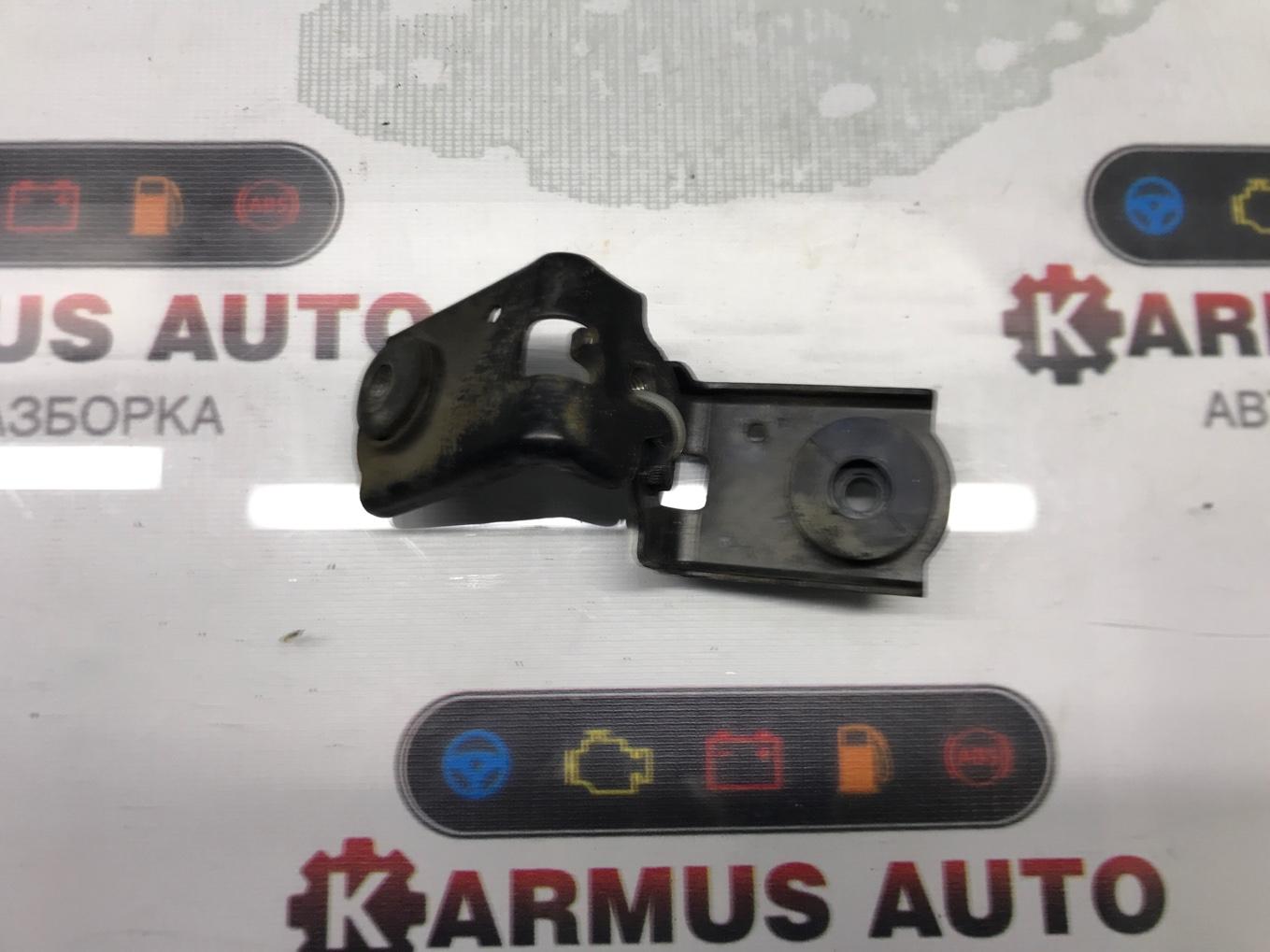 Крепление радиатора Honda Legend KB1 J35A