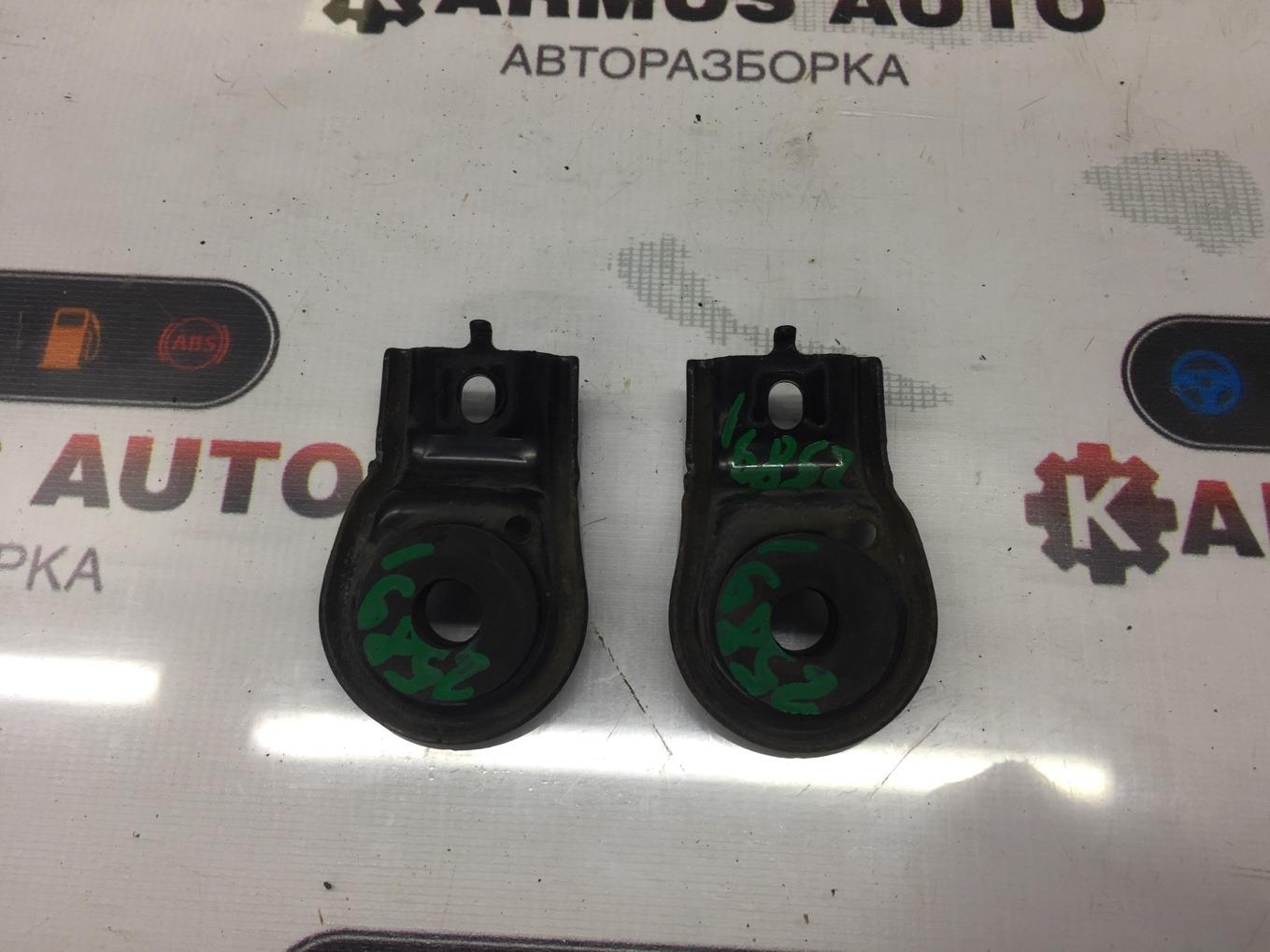 Крепление радиатора Honda Inspire UC1 J30A