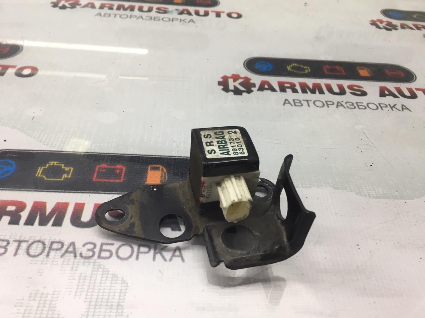 Датчик airbag Toyota Opa ZCT10 1ZZFE передний правый