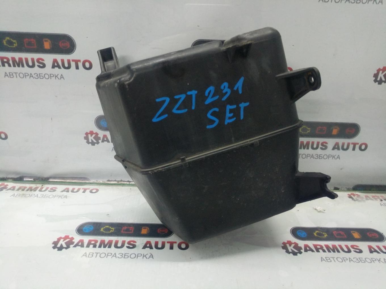 Бачок стеклоомывателя Toyota Celica ZZT231 2ZZGE