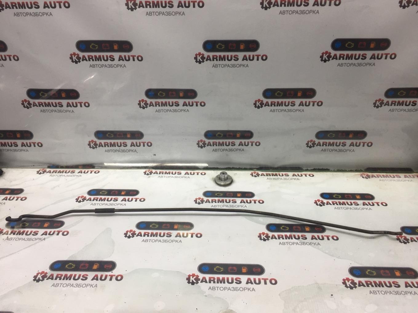 Упор капота Nissan Bluebird Sylphy QG10 QG18DE