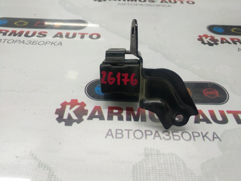 Датчик airbag Toyota Mark Ii Wagon Blit JZX110W 1JZFSE передний правый
