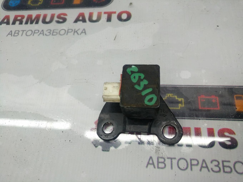 Датчик airbag Toyota Vista Ardeo AZV50 1AZFSE передний левый