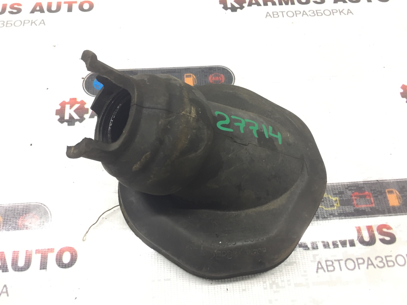 Пыльник рулевой колонки Toyota Wish ANE11 1AZFE