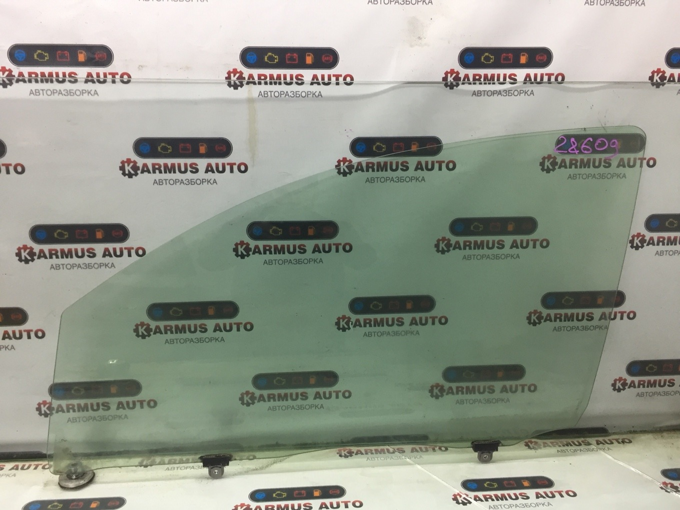 Стекло боковое Toyota Passo KGC10 1KRFE переднее левое