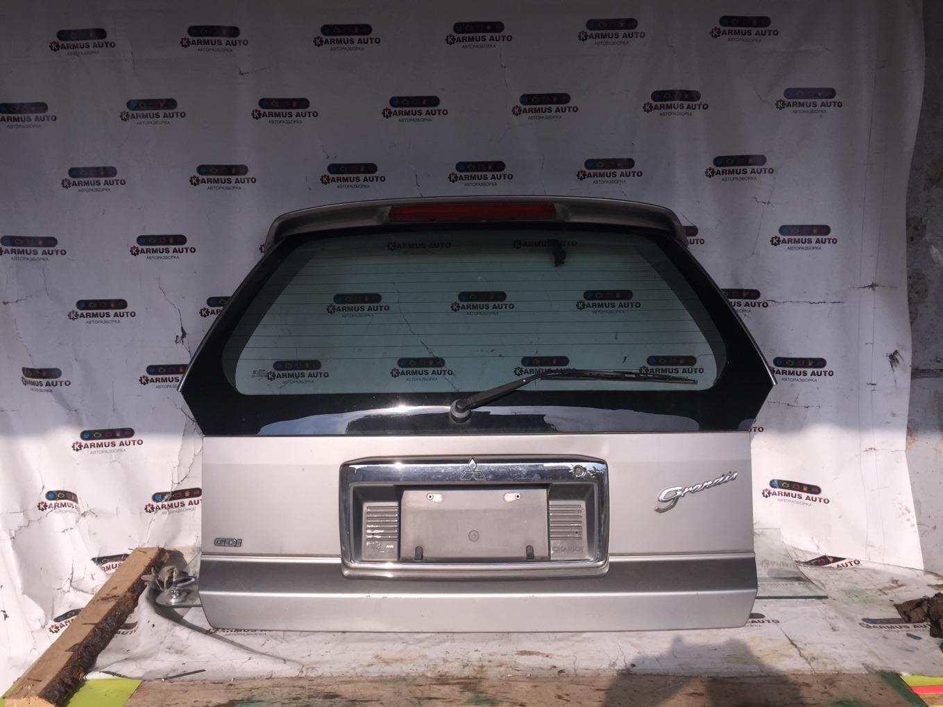 Дверь багажника Mitsubishi Chariot Grandis N94W 4G64 1997