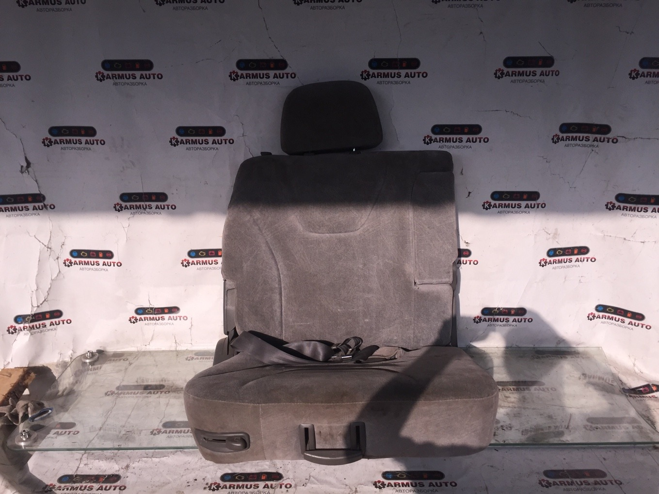 Сиденье Mitsubishi Chariot Grandis N94W 4G64 1997 заднее правое