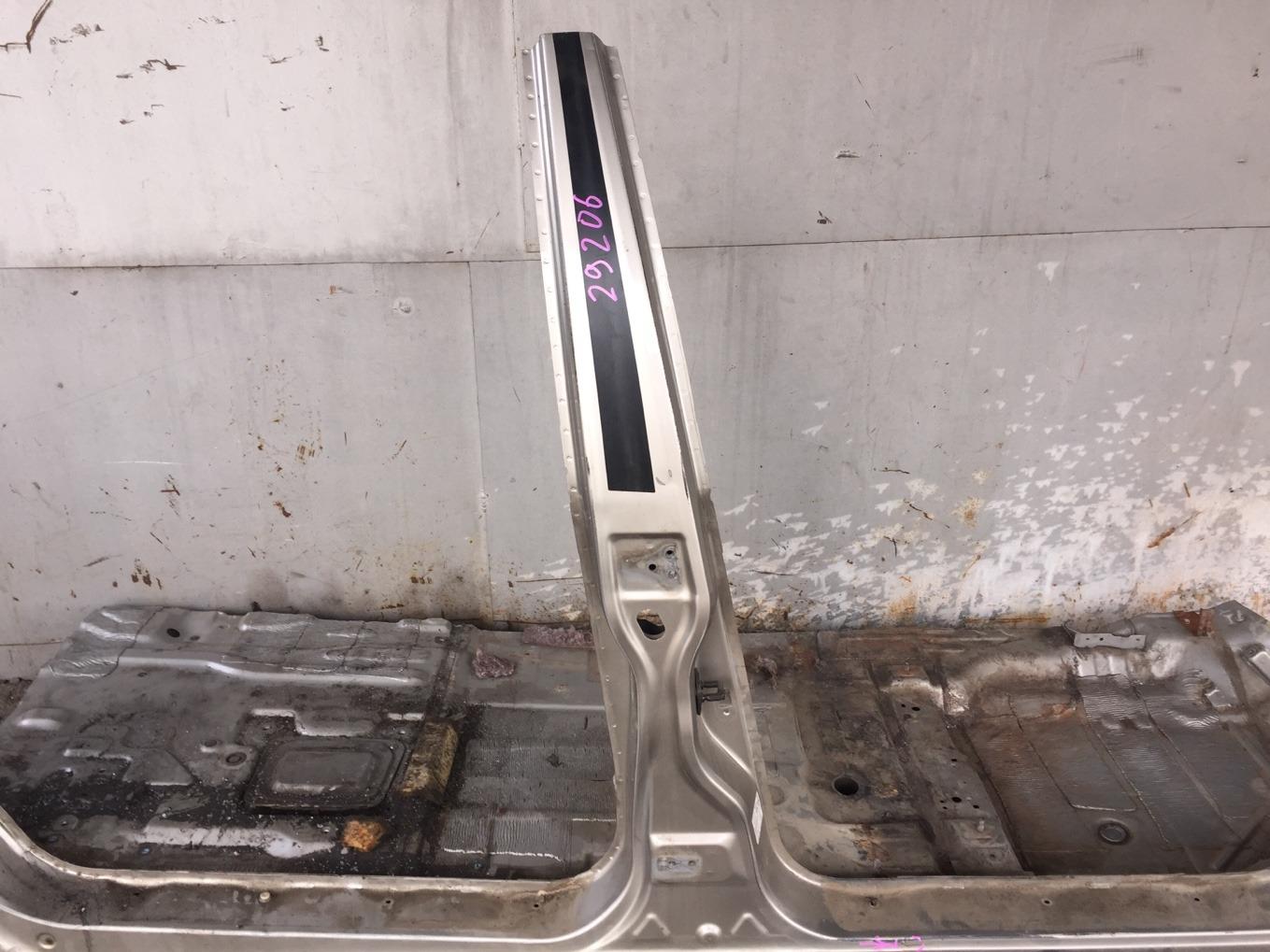 Стойка кузова Mitsubishi Chariot Grandis N94W 4G64 1997 правая