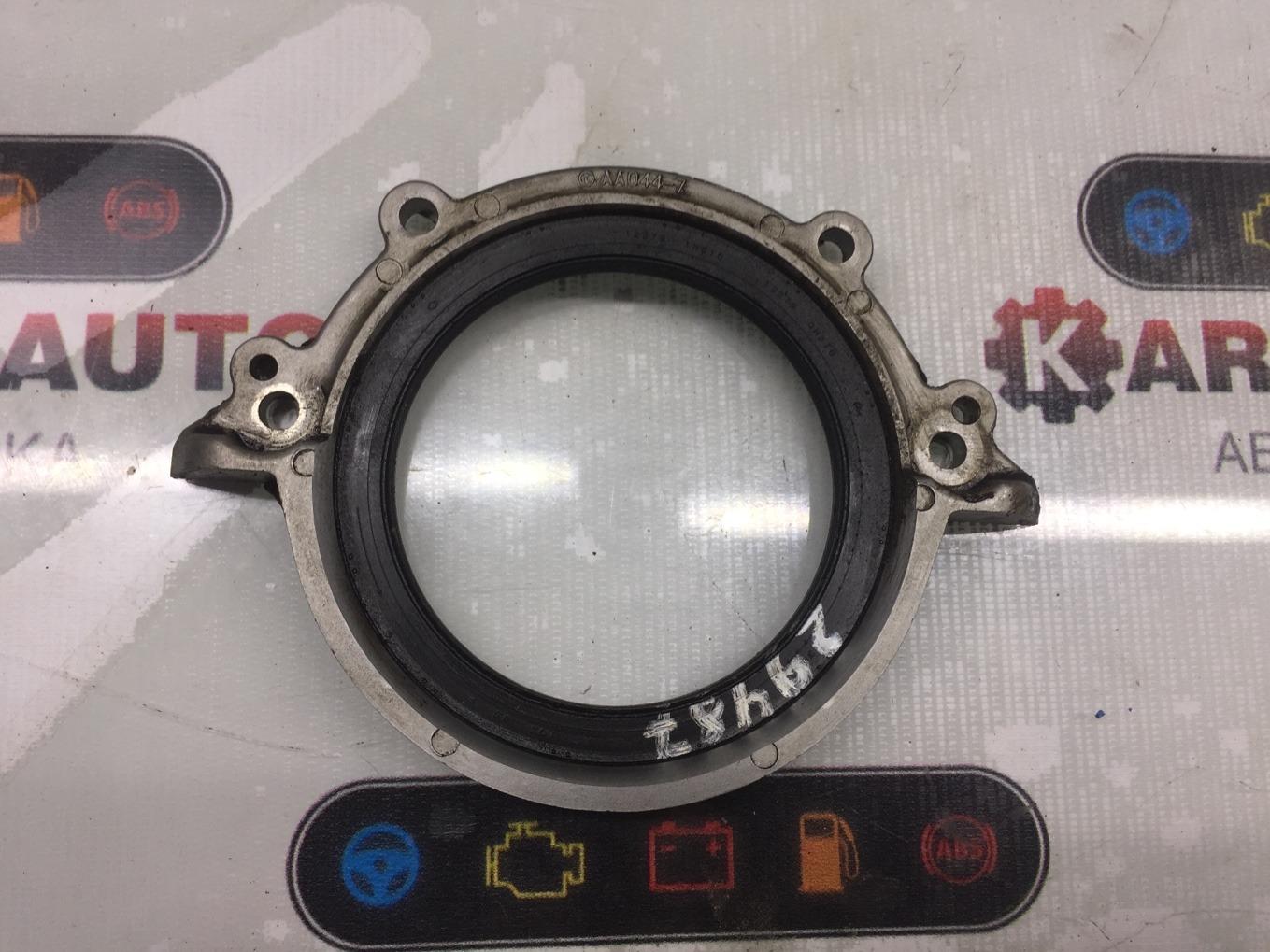 Крышка коленвала Nissan Cube ANZ10 CGA3DE задняя