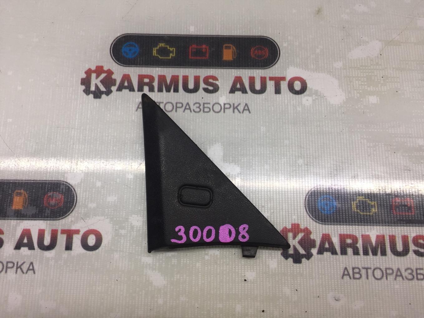 Уголок двери Toyota Corona AT170 5AFE 1990 передний правый