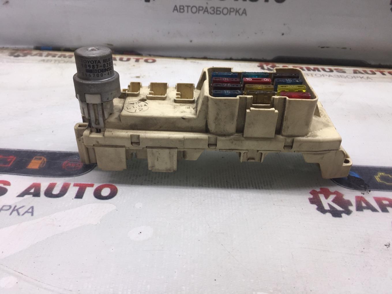 Блок предохранителей салона Toyota Toyota Sprinter AE91 5AF 1987