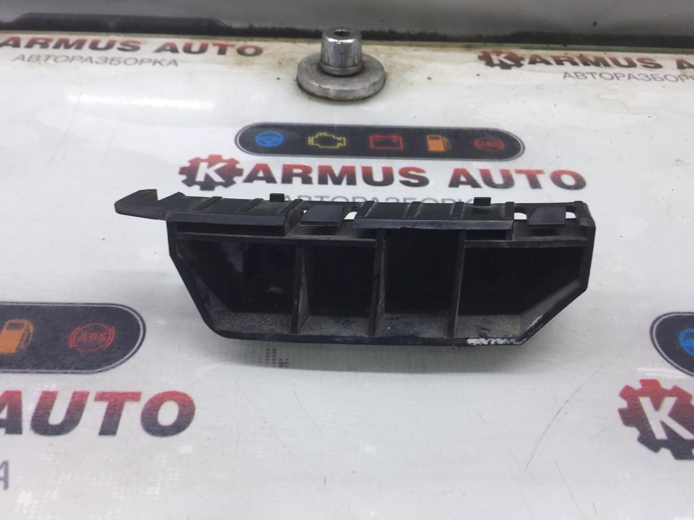 Крепление бампера Honda Fit GD2 L13A переднее правое