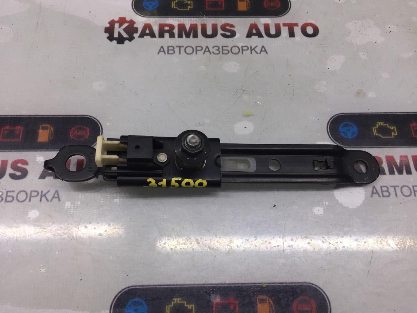 Механизм регулировки ремня безопасности Toyota Premio NZT260 1NZFE передний левый